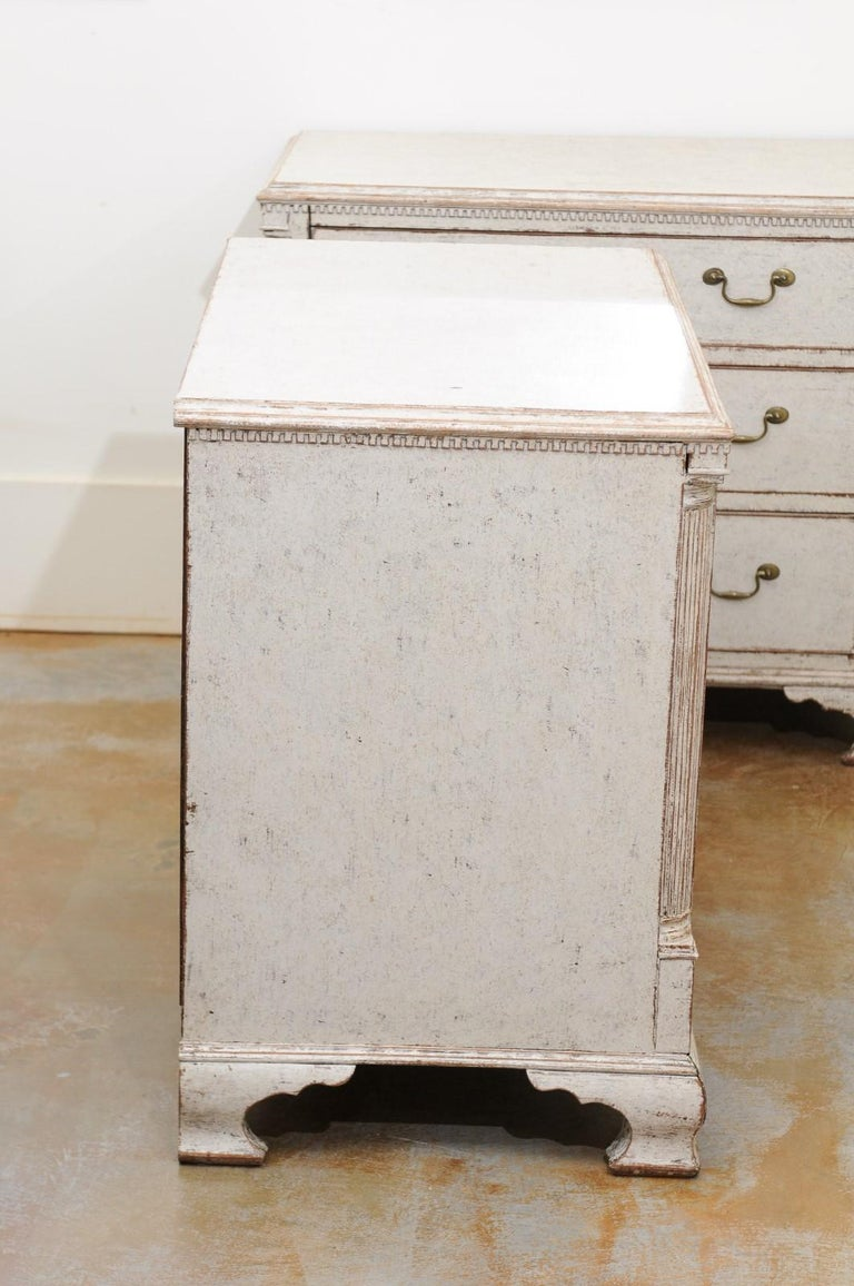 Pair of Swedish 19th Century Painted Three-Drawer Chests with Semi Columns For Sale 5