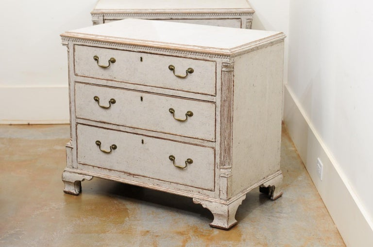 Pair of Swedish 19th Century Painted Three-Drawer Chests with Semi Columns For Sale 7