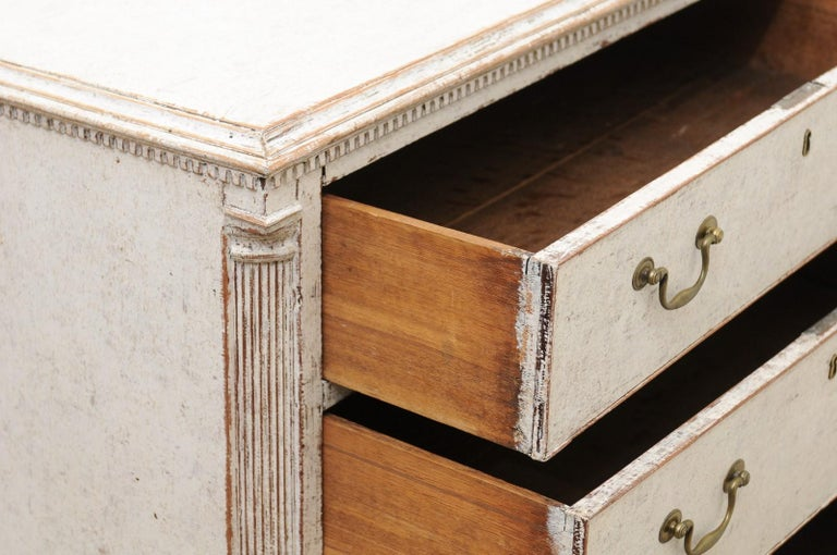 Pair of Swedish 19th Century Painted Three-Drawer Chests with Semi Columns For Sale 1