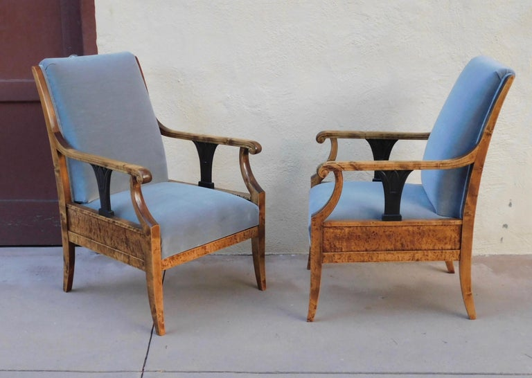 Early 20th Century Pair of Swedish Biedermeier Revival Armchairs in Golden Flame Birch, circa 1920 For Sale