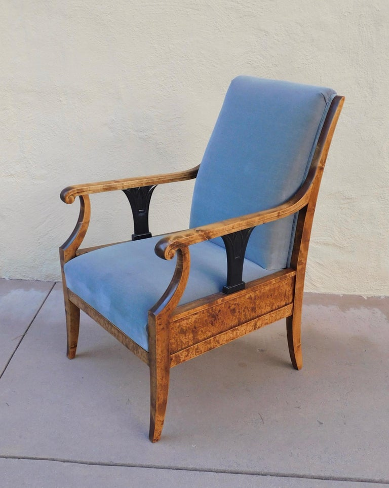 Pair of Swedish Biedermeier Revival Armchairs in Golden Flame Birch, circa 1920 For Sale 5