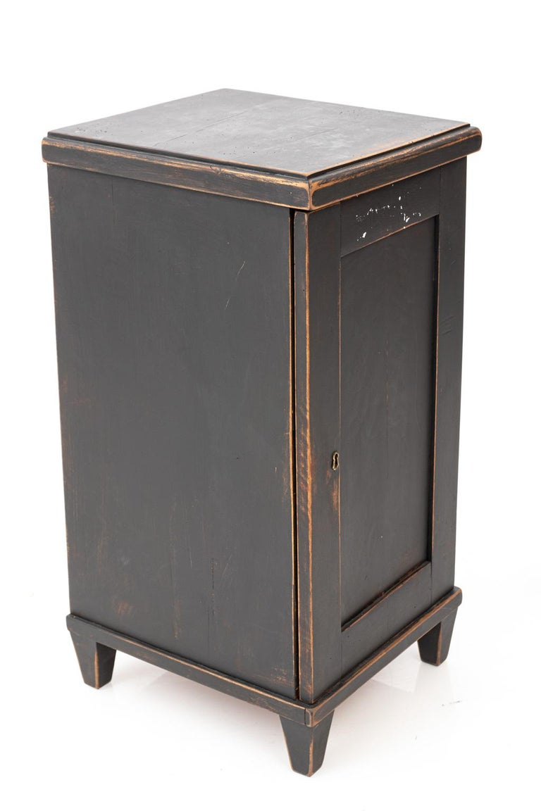 Gustavian Pair of Swedish Black Painted Bedside Cabinets For Sale
