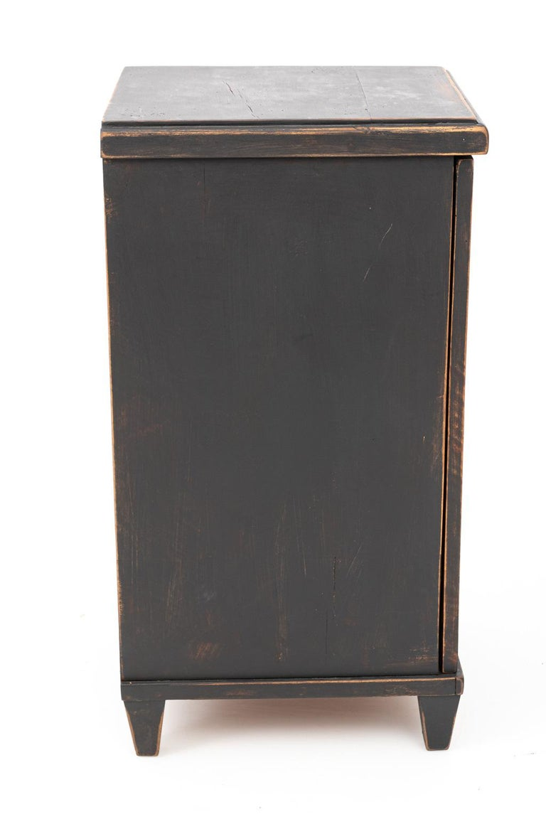 Pair of Swedish Black Painted Bedside Cabinets In Good Condition For Sale In Stamford, CT