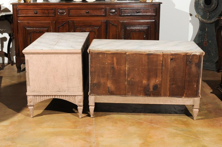 Pair of Swedish Gustavian Period 1790s Two-Drawer Chests with Soft Pink Color For Sale 4