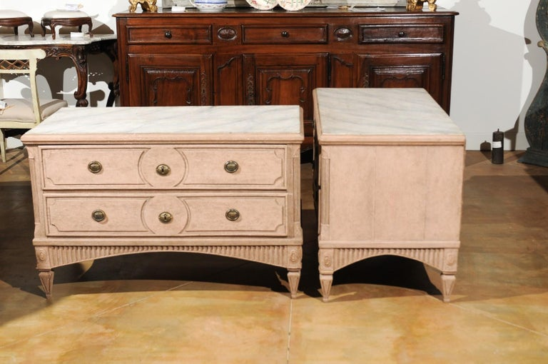 Pair of Swedish Gustavian Period 1790s Two-Drawer Chests with Soft Pink Color For Sale 5