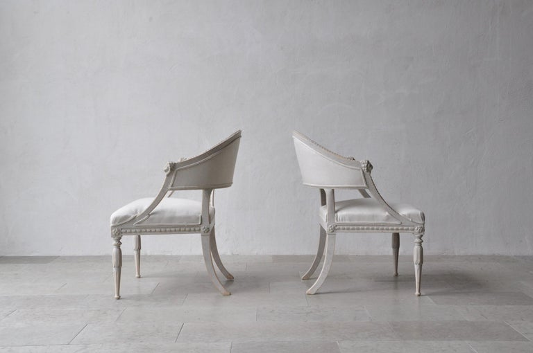 20th Century Pair of Swedish Gustavian Style Barrel Back Armchairs with Lions' Heads For Sale