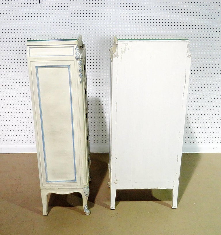 Pair of Swedish Louis XVI Style Lingerie Chests In Good Condition For Sale In Swedesboro, NJ