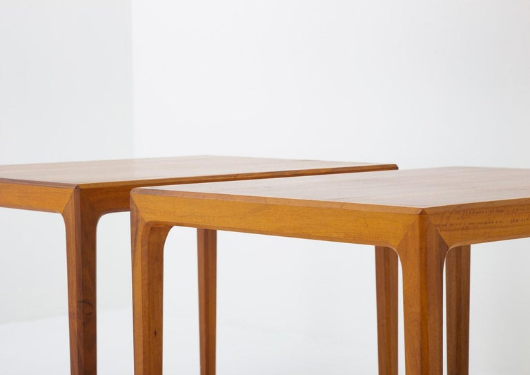 Pair of Swedish Midcentury Side Tables in Walnut by Bertil Fridhagen In Good Condition For Sale In Karlstad, SE