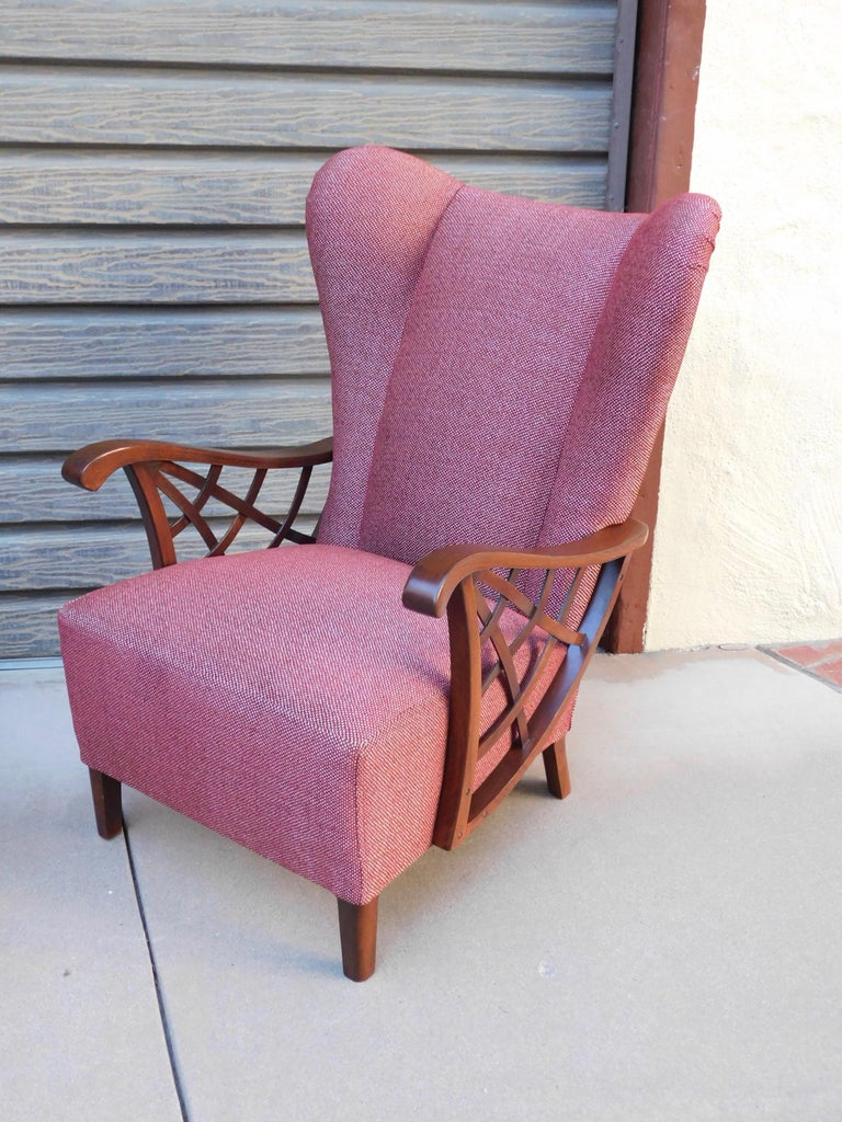 Pair of Swedish Modernist Winged Back Spider Web Armchairs, circa 1940 For Sale 1