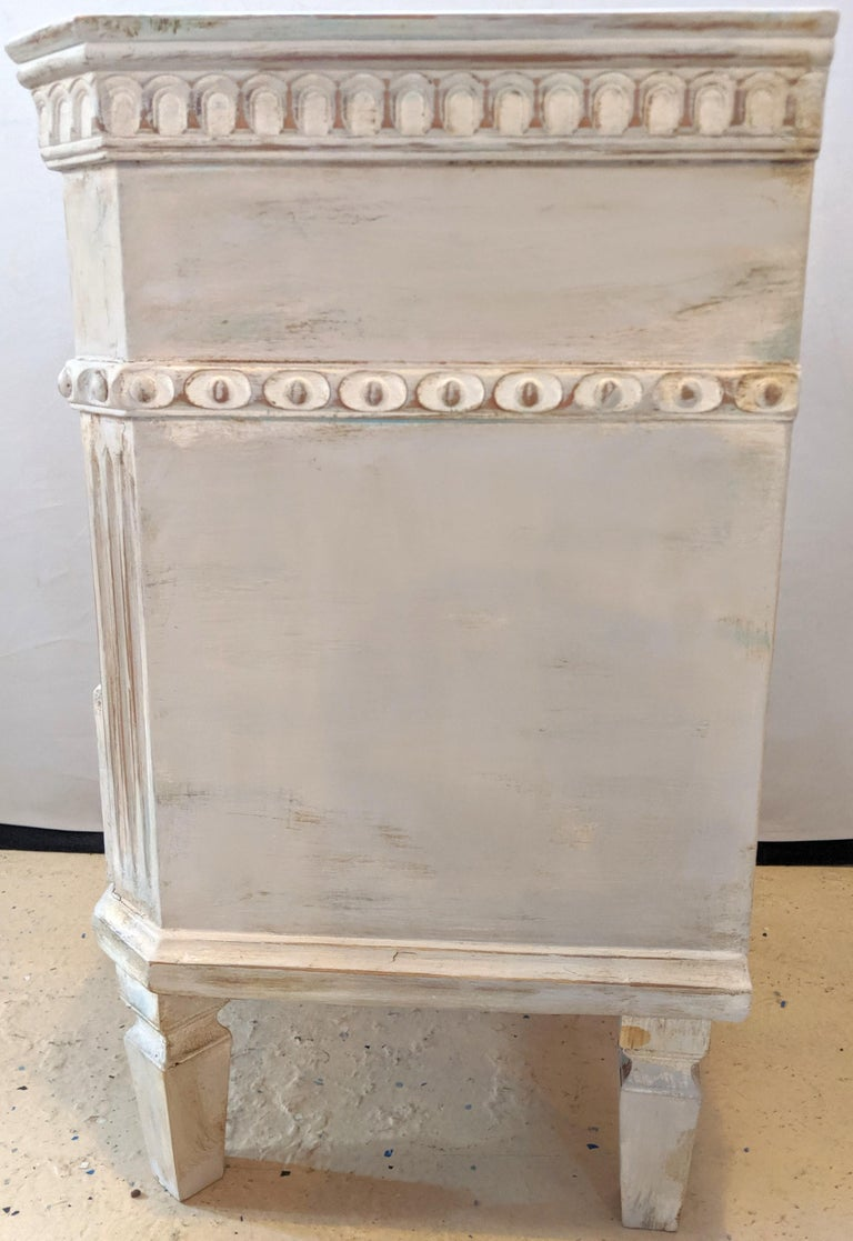 Pair of Swedish Paint Decorated End Tables or Nightstands For Sale 1