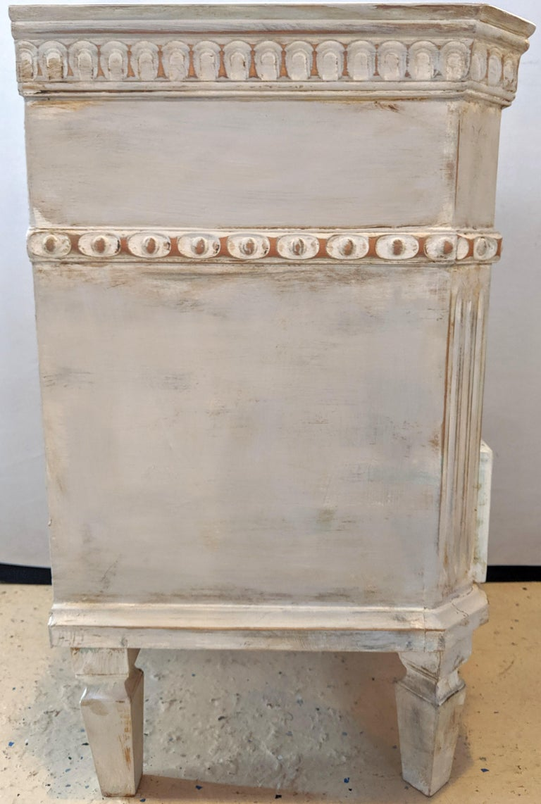 Pair of Swedish Paint Decorated End Tables or Nightstands For Sale 2