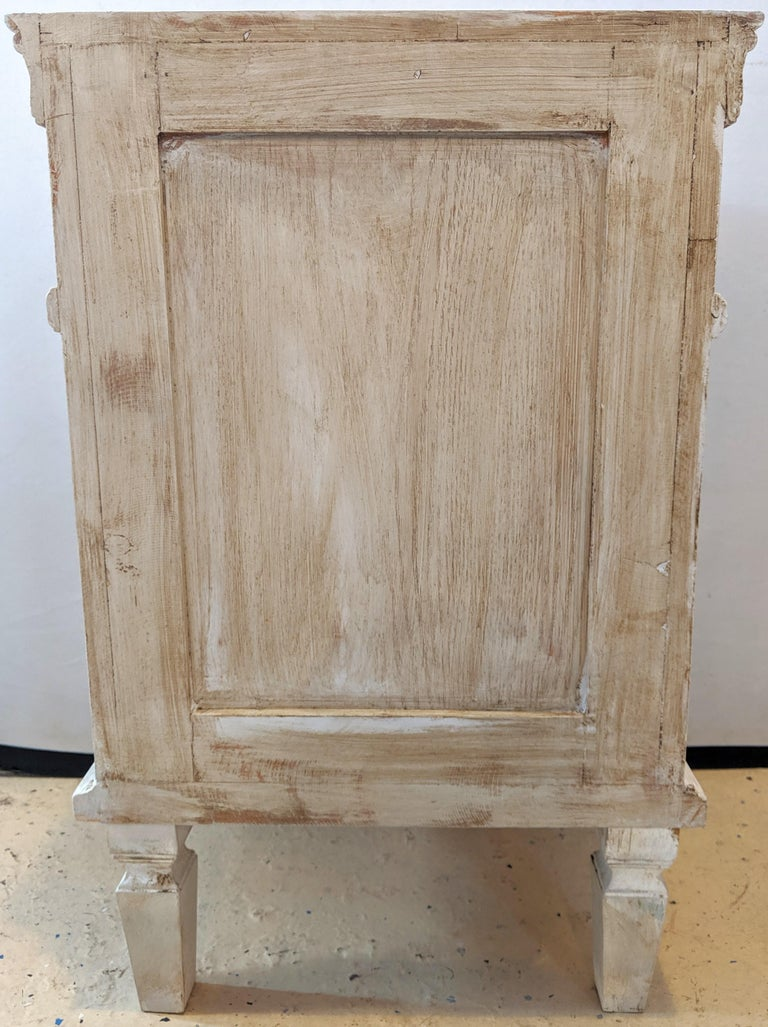 Pair of Swedish Paint Decorated End Tables or Nightstands For Sale 3