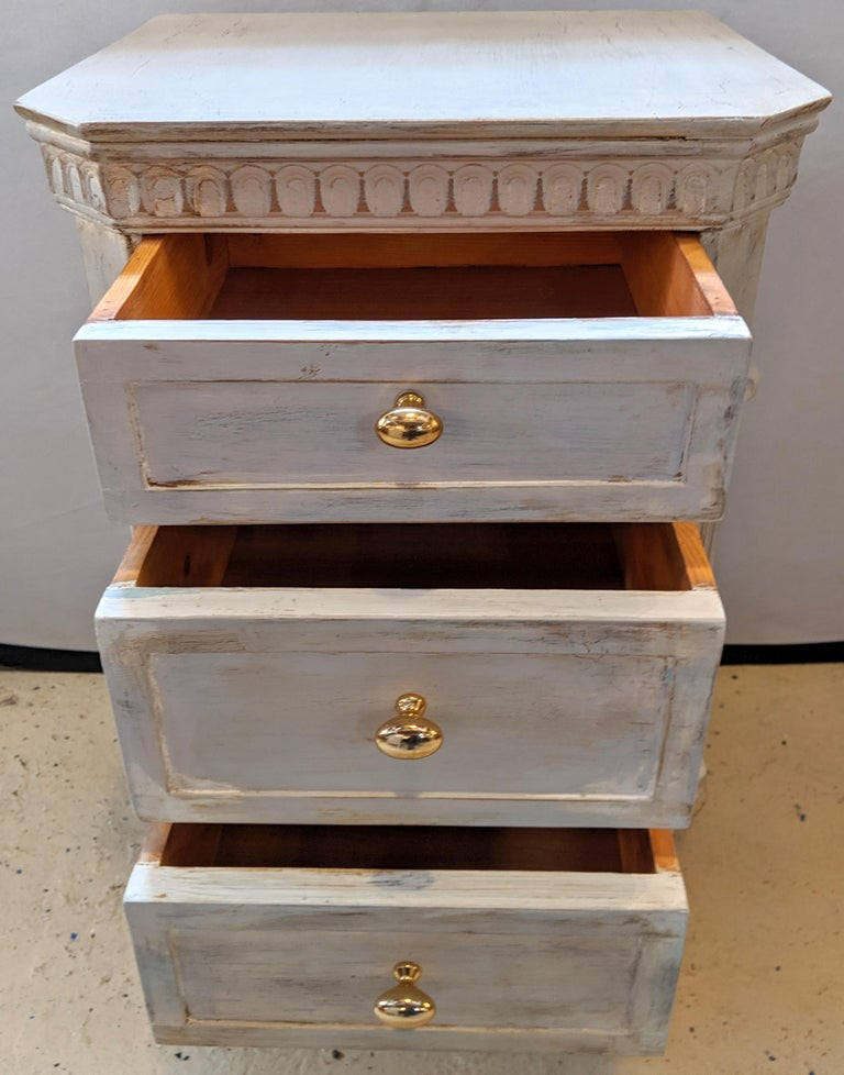 Pair of Swedish Paint Decorated End Tables or Nightstands For Sale 4