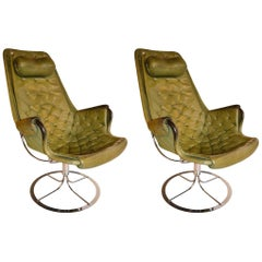 Pair of Swivel Chairs by Bruno Mathsson in Green Leather and Steel