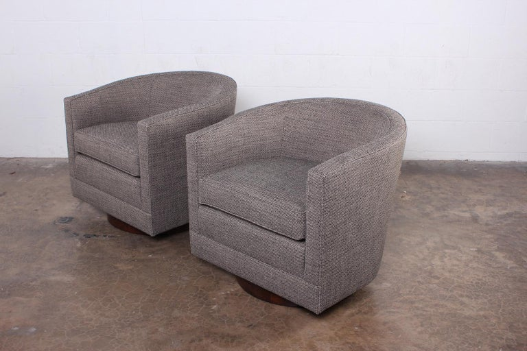 Pair of Swivel Chairs by Edward Wormley for Dunbar For Sale 6