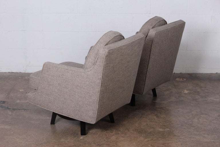 Mid-20th Century Pair of Swivel Chairs by Edward Wormley for Dunbar