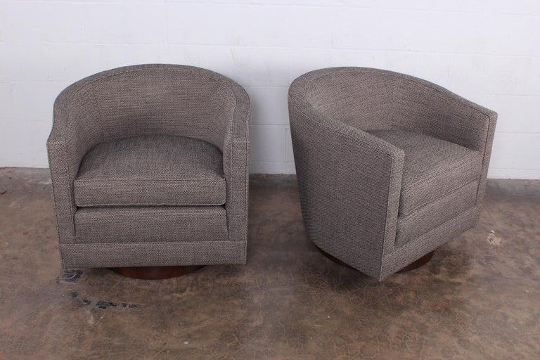 Pair of Swivel Chairs by Edward Wormley for Dunbar For Sale 2