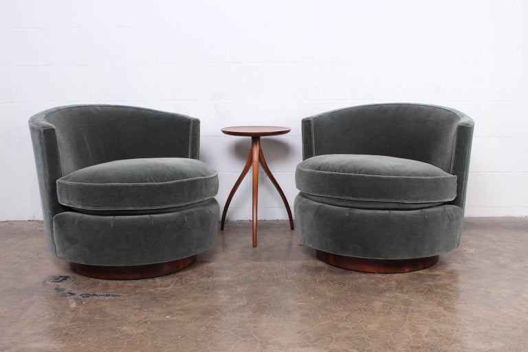 Pair of Swivel Chairs by Edward Wormley for Dunbar For Sale 5