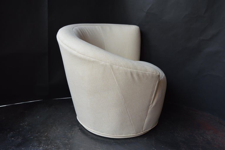 Mid-Century Modern Pair of Swivel Chairs by Vladimir Kagan