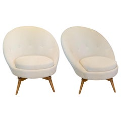 Pair of Swivel Chairs in White Boucle with Natural Maple Legs