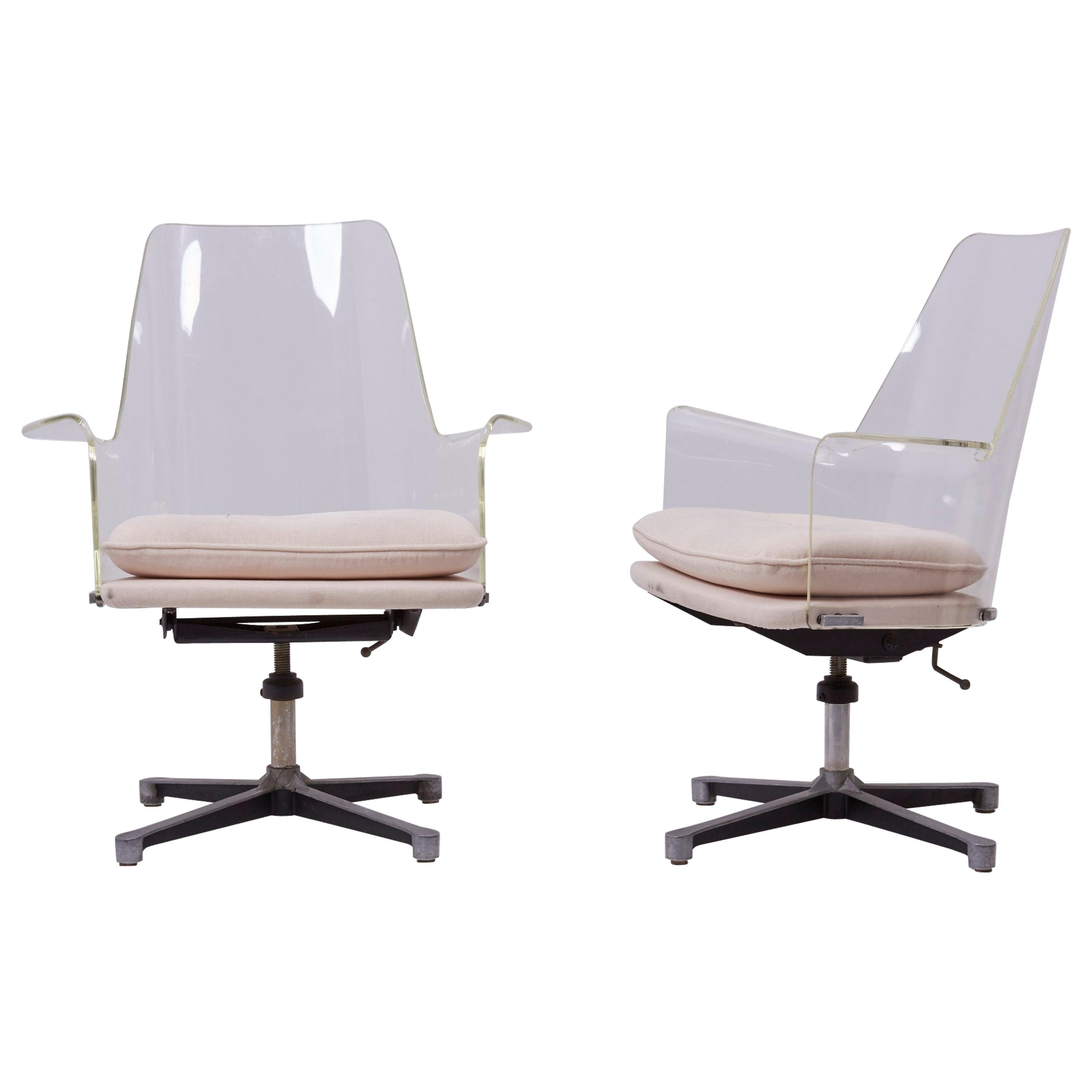 Pair of Swivel Chairs Made of Lucite in Manner of Laverne