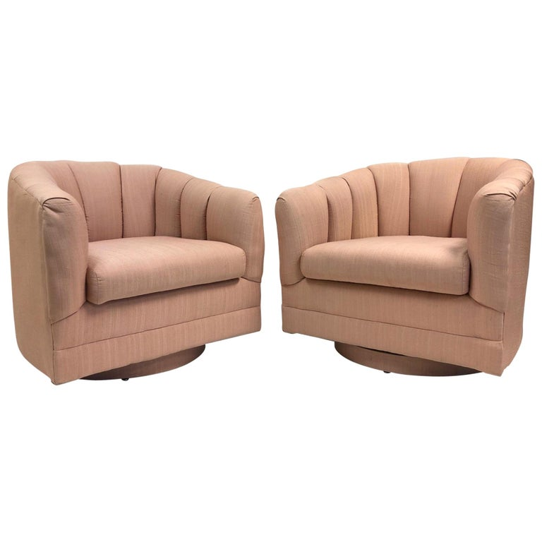 Pair of Swivel Lounge Chairs Style of Milo Baughman For Sale