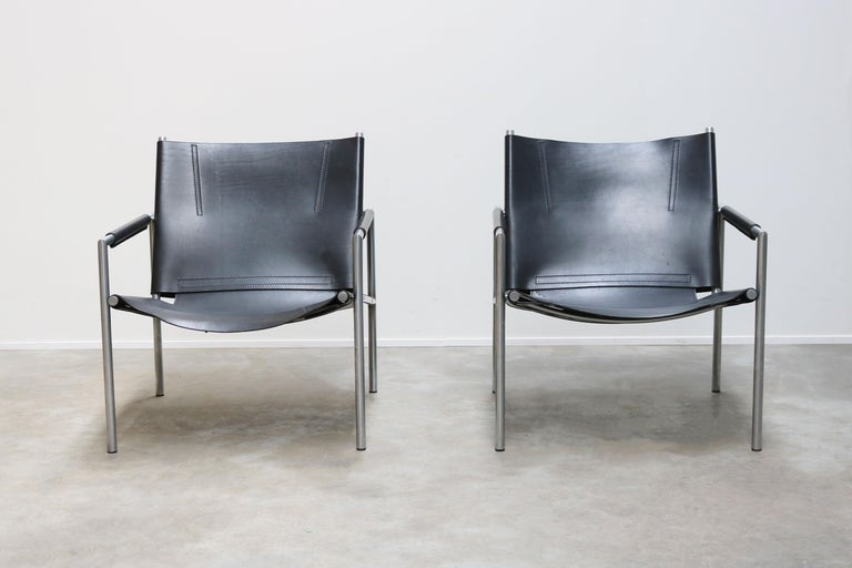 Dutch Pair of Lounge Chairs by Martin Visser for Spectrum Black Leather Chrome For Sale