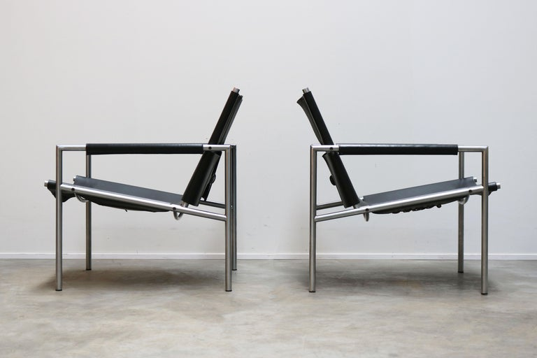 Mid-20th Century Pair of Lounge Chairs by Martin Visser for Spectrum Black Leather Chrome For Sale