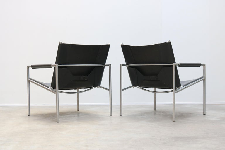 Pair of Lounge Chairs by Martin Visser for Spectrum Black Leather Chrome For Sale 1