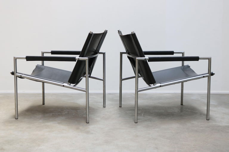 Pair of Lounge Chairs by Martin Visser for Spectrum Black Leather Chrome For Sale 2