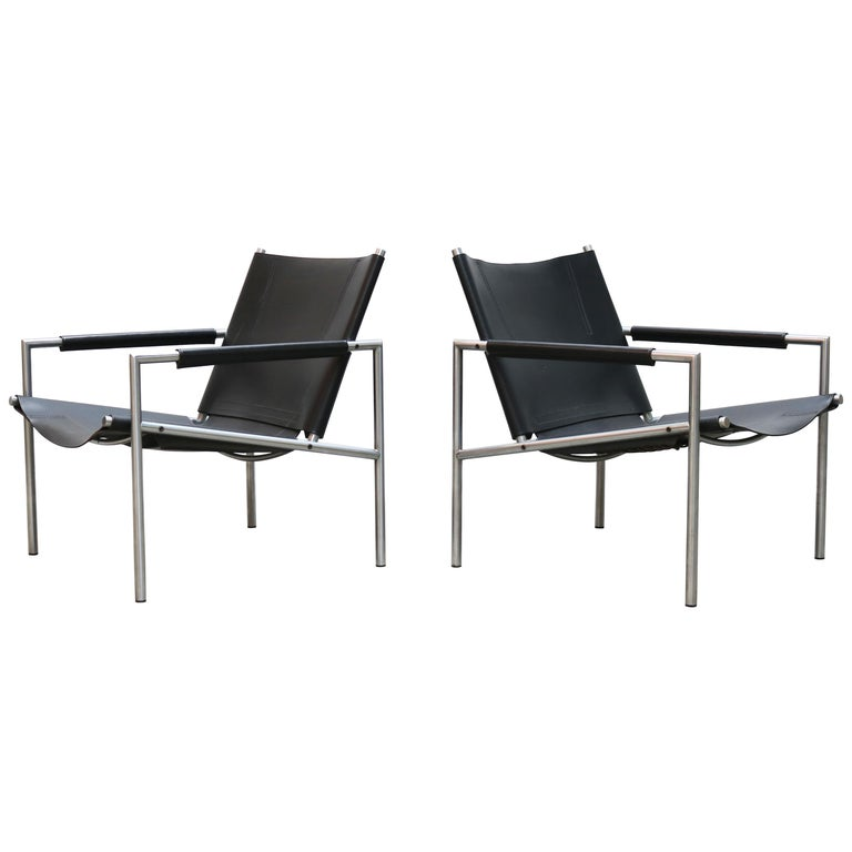 Pair of Lounge Chairs by Martin Visser for Spectrum Black Leather Chrome For Sale