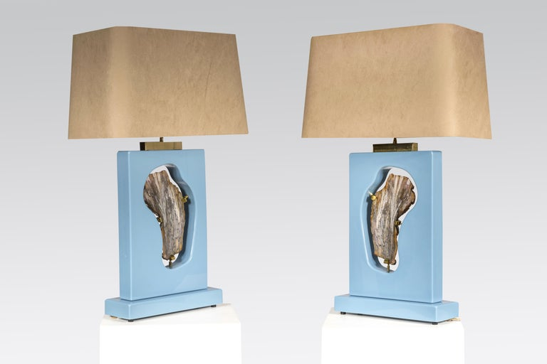 Created to measure by Stan Usel, this pair of blue resin, table lamps topped with a agate gemstone. Left and right. Exceptional craftsmanship with the art of tailor made furniture. This original and unique pieces are signed by the artist and comes