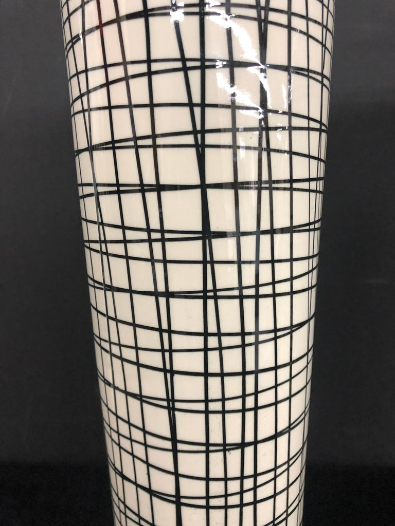 Unknown Pair of Tall Black and White Crosshatched Vases with Lamp Application For Sale