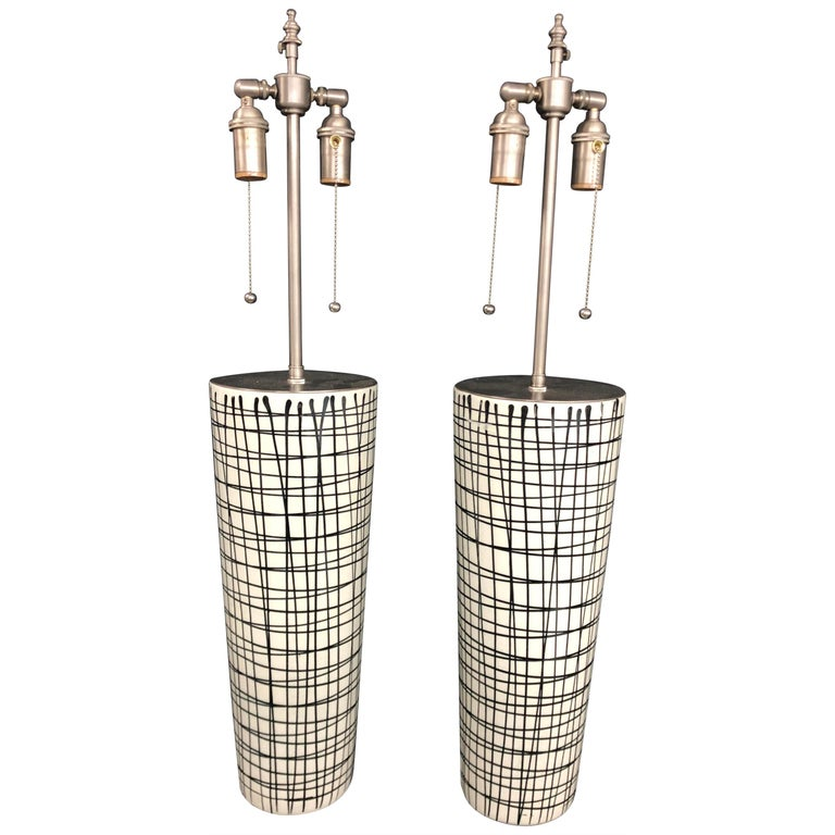 Pair of Tall Black and White Crosshatched Vases with Lamp Application For Sale
