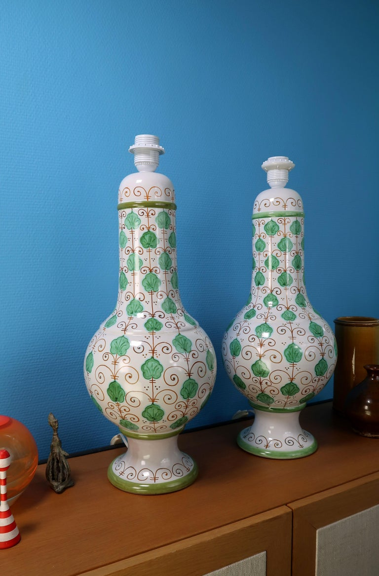 Pair of Tall Italian Vintage Hand Painted White Green Table Lamps, 1960s In Good Condition For Sale In Copenhagen, DK