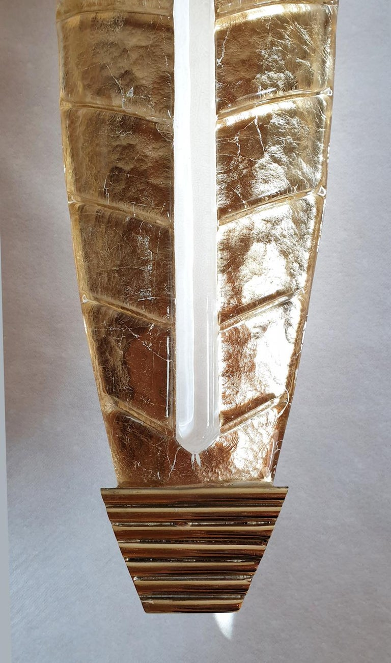 Two Large Mid-Century Modern Murano Glass Gold Leaf Sconces, Barovier Style 1970 For Sale 2