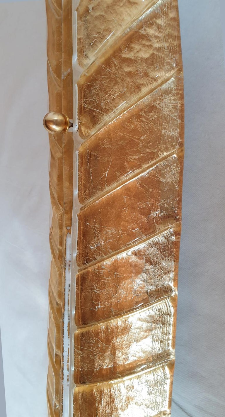 Two Large Mid-Century Modern Murano Glass Gold Leaf Sconces, Barovier Style 1970 For Sale 4