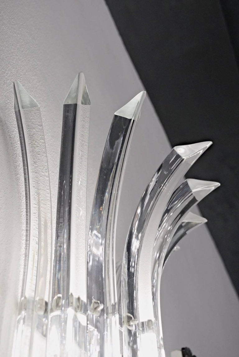 Art Glass Pair of Tall Eight-Element Clear Murano Glass Triedri Sconces, 1980s For Sale