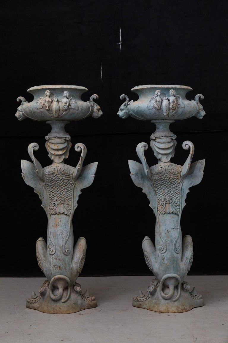 20th Century Pair of Tall Patinated Cast Iron Planters Showing Mythical Creatures / Chimeres For Sale