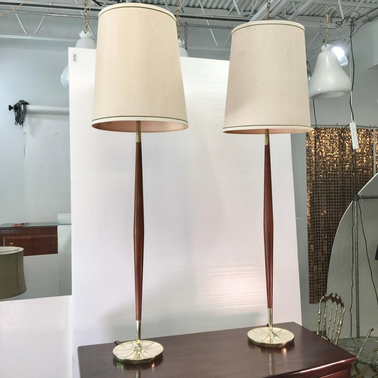 American Pair of Tapered Walnut and Brass Floor Lamps by Stiffel For Sale