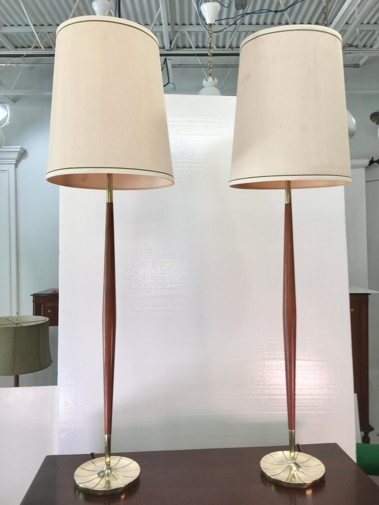 Pair of Tapered Walnut and Brass Floor Lamps by Stiffel In Good Condition For Sale In Hingham, MA