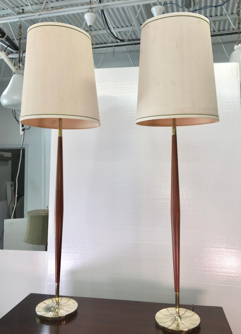 Mid-20th Century Pair of Tapered Walnut and Brass Floor Lamps by Stiffel For Sale