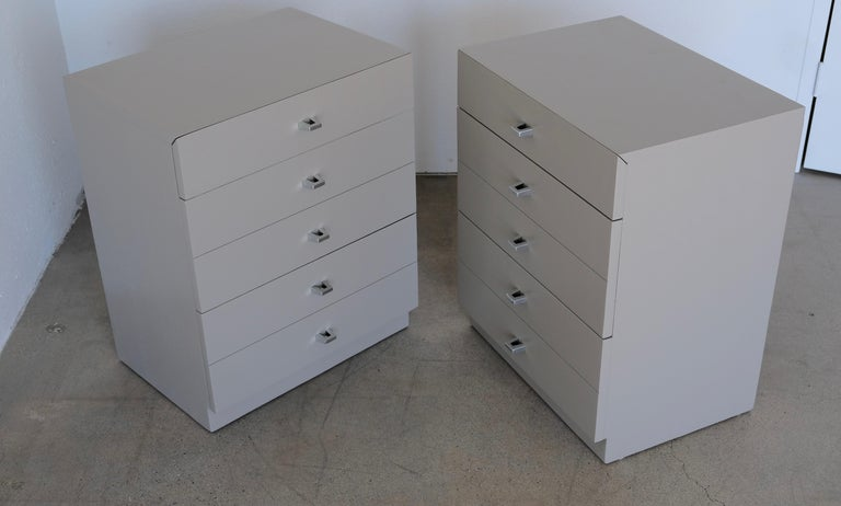 Pair of Taupe and Nickel American of Martinsville Nightstand Chests For Sale 10