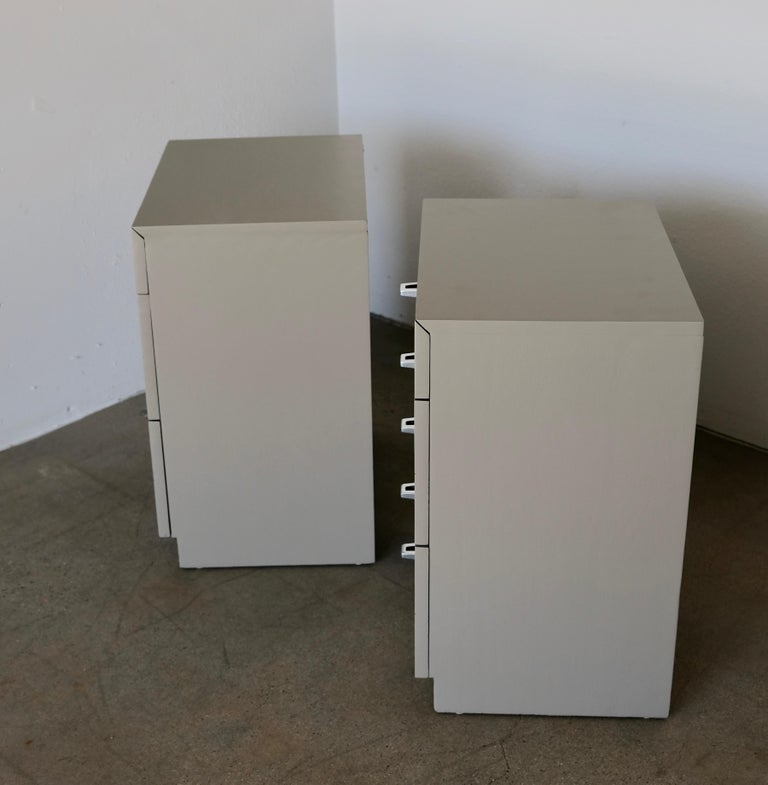 Pair of Taupe and Nickel American of Martinsville Nightstand Chests For Sale 11