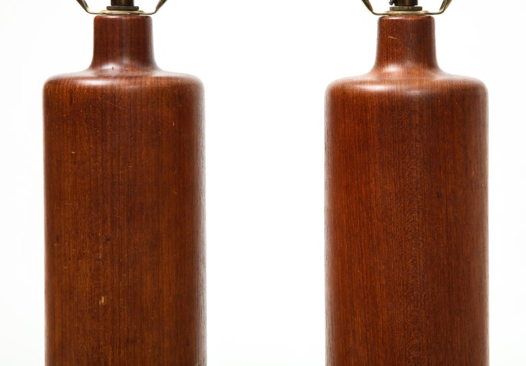 Pair of Teak and Leather Table Lamps, Denmark, circa 1970s In Good Condition For Sale In New York City, NY