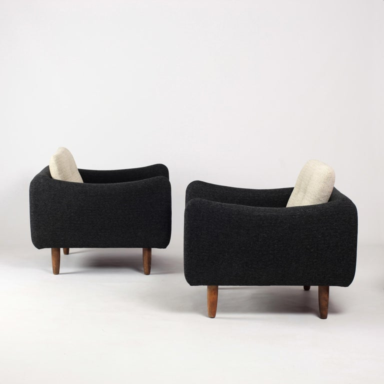 Nice Michel Mortier Teckel or SF116 pair of armchairs for Steiner designed in 1963, newly upholstered in beautiful Kvadrat fabric. The metal label of the manufacturer is present on the chairs.