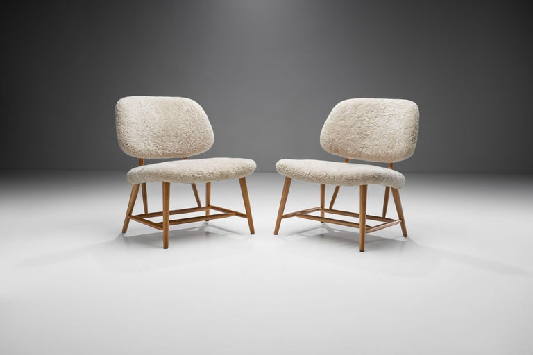 "Mid-20th Century Pair of ""TeVe"" Chairs by Alf Svensson for Studio Ljungs Industrier AB, SWE For Sale"