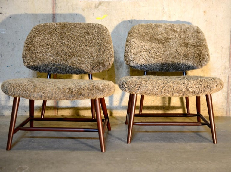 The lounge chair TeVe was designed by Alf Svensson in 1953 for Ljungs Industrier. This classic chair has become an icon in Swedish homes due to the fact it's a perfect everyday chair for the living room. These two eye-catching TeVe chairs come with