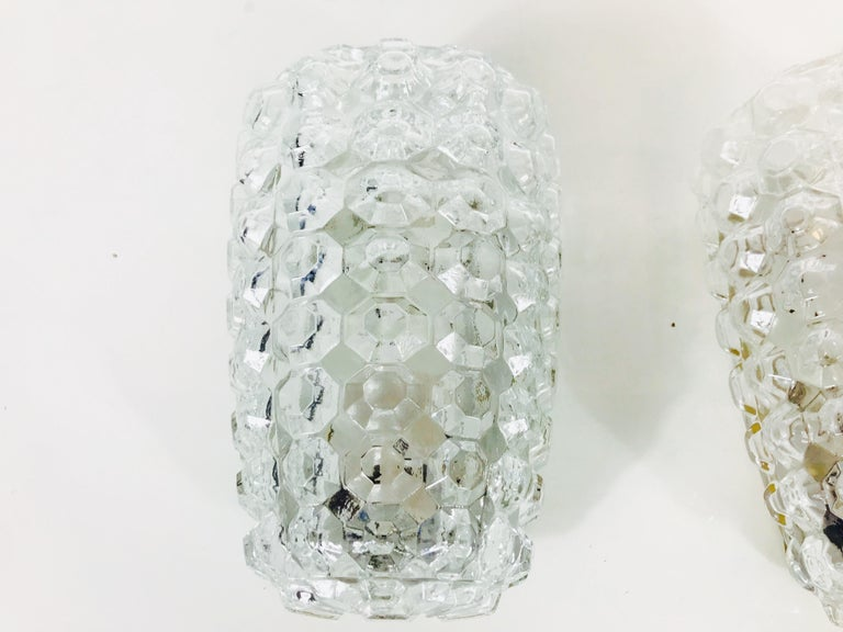 Mid-20th Century Pair of Textured Crystal Glass Sconces by Glashütte Limburg, 1960s, Germany For Sale