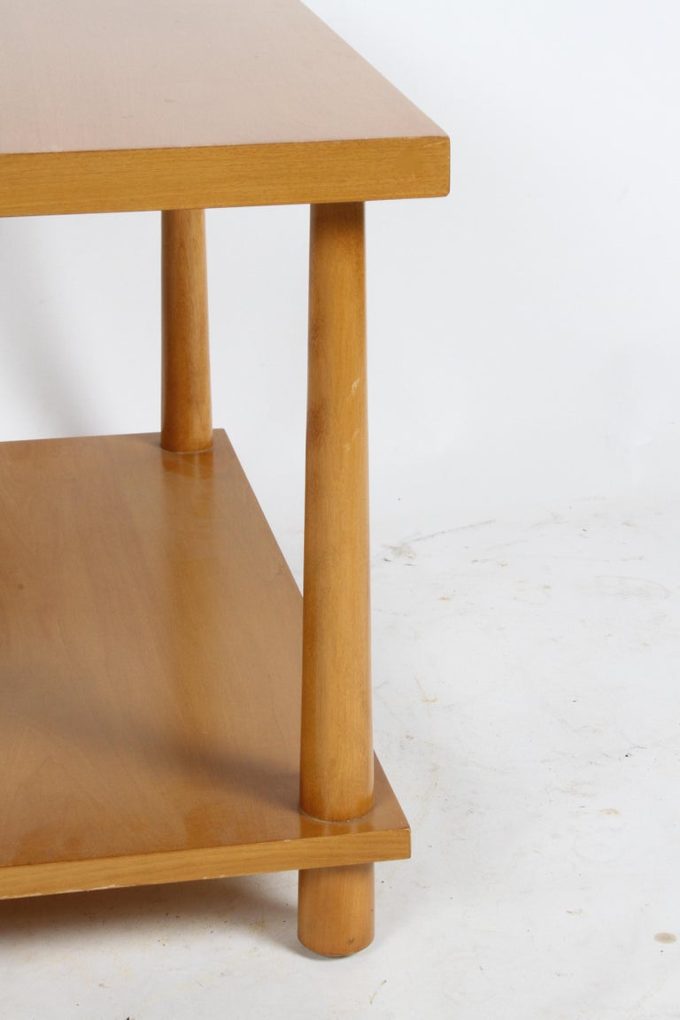 Pair of T.H. Robsjohn-Gibbings for Widdicomb Reverse Tapered Legs End Tables For Sale 4
